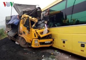 Vụ tai nạn xảy ra tại km 247+430 tuyến QL 18, đoạn qua địa phận xã Quảng Long, huyện Hải Hà, Quảng Ninh.