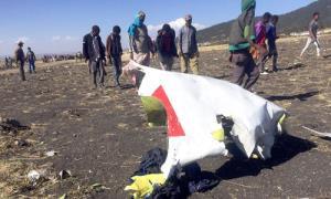 Mảnh vỡ chiếc máy bay Boeing 737 gặp nạn.