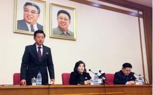 Thứ trưởng Ngoại giao Triều Tiên Choe Son-hui (ngồi giữa) phát biểu tại Bình Nhưỡng vào hôm 15/3.