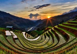 Ruông bậc thang Mù Cang Chải, Yên Bái-nơi mang đên du khách sản phẩm du lịch mạo hiểm dù lượn