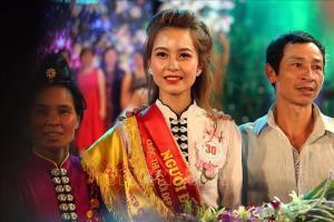 Thí sinh Lò Thị Vui đạt danh hiệu Người đẹp Hoa ban năm 2019.