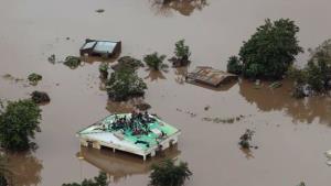 Bão Idai nhấn chìm nhiều ngôi nhà ở Mozambique.
