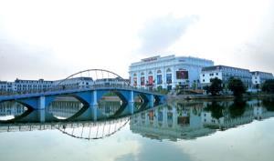 Trung tâm Thương mại Vincom Plaza Yên Bái vừa được khánh thành đưa vào sử dụng với vốn đầu tư trên 670 tỷ đồng.