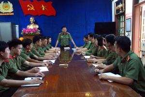 Nội dung công tác xây dựng, chỉnh đốn Đảng được cán bộ, đảng viên Chi bộ Phòng Bảo vệ chính trị nội bộ, Công an tỉnh thường xuyên triển khai thực hiện trong các buổi sinh hoạt.
