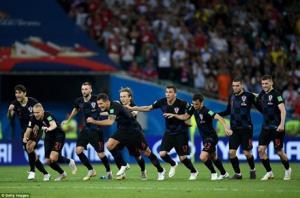 Croatia đánh bại Nga để giành vé vào bán kết.