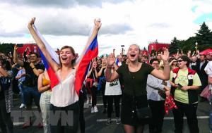 Niềm vui của các cổ động viên Nga.
