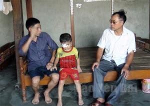 Chưa đầy 6 tuổi nhưng em Hoàng Ngọc Diễn đã phải chống chọi với căn bệnh quái ác.