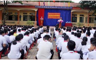 Công an thành phố Yên Bái: Tuyên truyền Luật Giao thông đường bộ cho trên 1.800 học sinh, thầy cô giáo