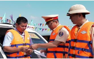 Yên Bái: Trên 120 chủ tàu, người điều khiển phương tiện được tuyên truyền về giao thông đường thủy