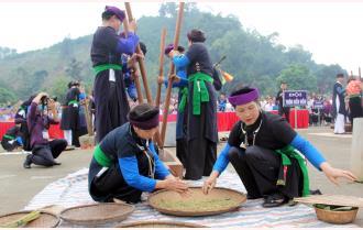 Văn Yên: Sôi nổi các hoạt động văn hóa, thể thao tại Lễ hội Cơm mới đền Đông Cuông