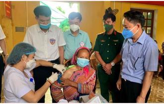 Yên Bái tăng tốc tiêm vắc-xin COVID-19