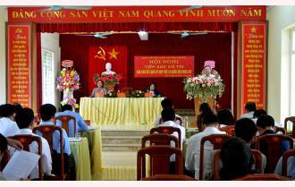Trưởng đoàn Đại biểu Quốc hội tỉnh Dương Văn Thống tiếp xúc cử tri huyện Yên Bình
