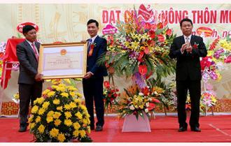 Xã Phú Thịnh đón Bằng công nhận đạt chuẩn nông thôn mới