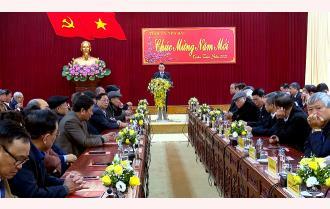 Tỉnh ủy Yên Bái gặp mặt các đồng chí nguyên lãnh đạo tỉnh và trưởng ngành của tỉnh các thời kỳ đã nghỉ hưu