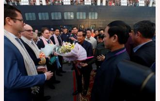 Thủ tướng Campuchia đón khách từ du thuyền bị nhiều nước từ chối
