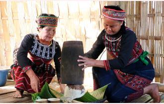 Tết cơm mới của người Phù Lá
