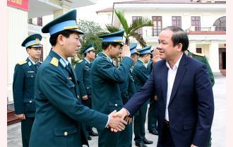 Phó Bí thư Thường trực Tỉnh ủy Tạ Văn Long thăm, chúc Tết các cơ quan, đơn vị trực Tết
