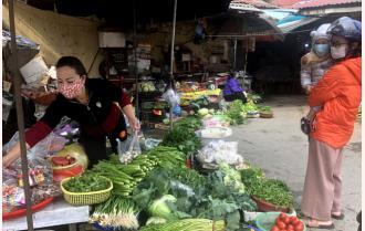 Thị trường thực phẩm sau tết ở Yên Bái: Sức mua giảm mạnh, người dân chủ động phòng dịch