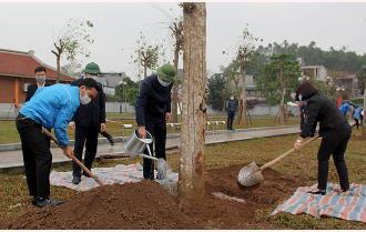 """Thành phố Yên Bái phát động """"Tết trồng cây đời đời nhớ ơn Bác Hồ"""" xuân Tân Sửu năm 2021"""