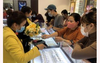 Yên Bái: An toàn phòng dịch COVID-19 trong ngày vía Thần tài