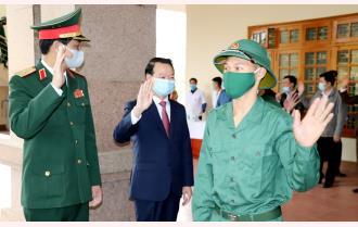 Bí thư Tỉnh ủy Đỗ Đức Duy dự Lễ giao nhận quân tại huyện Văn Yên