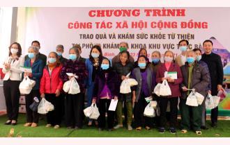 Trung tâm Y tế Yên Bình- Bệnh viện Bạch Mai phối hợp Chương trình công tác xã hội cộng đồng trao quà và khám sức khỏe từ thiện