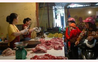 Người dân Yên Bái không quay lưng với thịt lợn an toàn