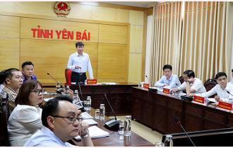 Chủ tịch UBND tỉnh Trần Huy Tuấn làm việc với các nhà đầu tư tháo gỡ khó khăn liên quan đến các dự án trên địa bàn