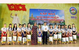 Yên Bái gặp mặt lưu học sinh Lào nhân dịp Tết cổ truyền Bunpimay