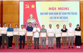 Thành phố Yên Bái tuyên dương 30 tập thể và cá nhân có thành tích xuất sắc trong thực hiện Chỉ thị 05