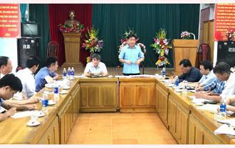 Phó Chủ tịch UBND tỉnh Nguyễn Văn Khánh chỉ đạo công tác phòng, chống dịch tả lợn châu Phi tại huyện Văn Chấn