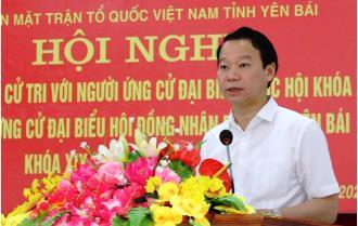 Bí thư Tỉnh ủy Đỗ Đức Duy cùng các ứng cử viên ĐBQH khóa XV và đại biểu HĐND tỉnh khóa XIX tiếp xúc cử tri tại huyện Yên Bình
