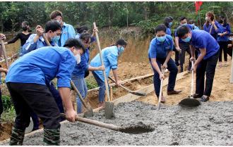 Tuổi trẻ Văn Yên sôi nổi các công trình hướng về Đại hội