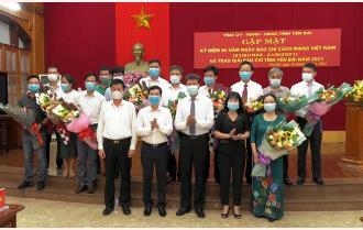 Gặp mặt kỷ niệm 96 năm Ngày báo chí cách mạng Việt Nam và trao Giải báo chí Yên Bái năm 2021
