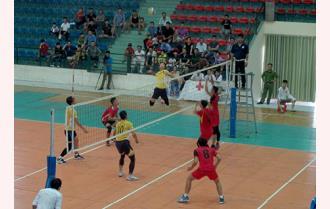 Đội bóng chuyền nam Công an tỉnh và đội bóng chuyền nữ Văn Yên đoạt Huy chương Vàng