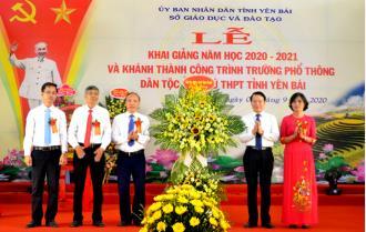 Chủ tịch UBND tỉnh Đỗ Đức Duy dự Lễ khai giảng và khánh thành công trình Trường Phổ thông Dân tộc nội trú THPT tỉnh