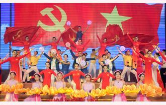 """""""Sắt son niềm tin theo Đảng"""" - Chương trình nghệ thuật chào mừng thành công Đại hội XIX Đảng bộ tỉnh Yên Bái"""