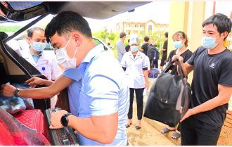 Văn Yên: Đội xe tình nguyện đón 20 công dân hoàn thành cách ly tập trung trở về địa phương