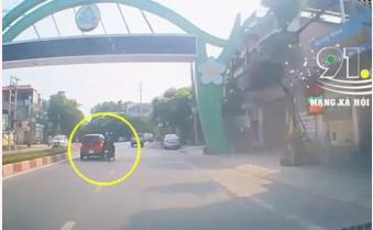 Ô tô, xe máy lạng lách đánh võng giữa phố và cái kết gây phẫn nộ