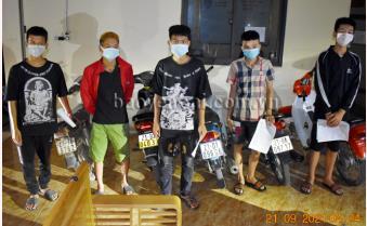 Yên Bái: Xử lý 5 học sinh lái xe mô tô lạng lách đánh võng