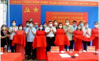 Cục Chính trị Hải quân - Ban Tuyên giáo Tỉnh uỷ Yên Bái bàn giao nhà tình nghĩa cho gia đình chính sách tại xã Bảo Ái