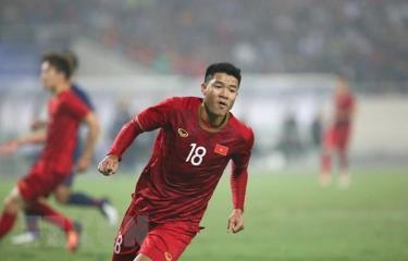 Hà Đức Chinh ghi bàn cho U22 Việt Nam.