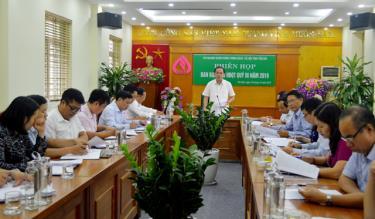 Đồng chí Tạ Văn Long - Phó Chủ tịch Thường trực UBND tỉnh phát biểu chỉ đạo tại phiên họp