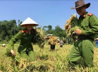 Việc làm thiết thực của Công an huyện Lục Yên đã tạo hình ảnh đẹp trong lòng nhân dân.
