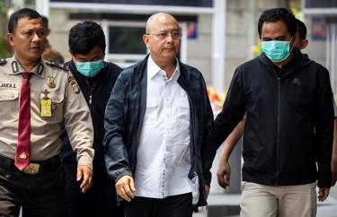 Ông Dzulmi Eldin (áo trắng), Thị trưởng thành phố Medan thuộc tỉnh Bắc Sumatra.