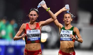 Nhiều vận động viên điền kinh phải bỏ cuộc do thời tiết Doha quá nóng.