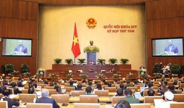 Thủ tướng Chính phủ Nguyễn Xuân Phúc trình bày Báo cáo về kết quả thực hiện kế hoạch phát triển kinh tế - xã hội năm 2019; kế hoạch phát triển kinh tế-xã hội năm 2020.