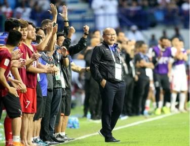Hai năm trong bản hợp đồng đầu tiên của HLV Park Hang-seo sắp sửa kết thúc một cách mỹ mãn, và nếu tiếp tục với bóng đá Việt Nam, ông sẽ đối diện với những thử thách khắc nghiệt hơn trước rất nhiều.