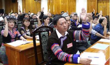 Tại phiên trù bị, các đại biểu quyết bầu Đoàn Chủ tịch và Thư ký đại hội.