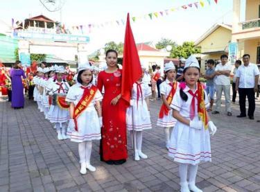 Đội Thiếu niên tiền phong Hồ Chí Minh thuộc các trường trên địa bàn huyện Lục Yên tích cực tham gia các hoạt động do nhà trường và liên chi đội tổ chức.